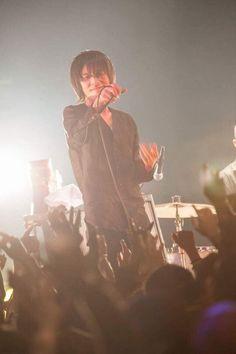 埋め込み Chiba, Rock Bands, Peace And Love, Elephant, Concert, Music, Pictures, Fictional Characters, Birthday