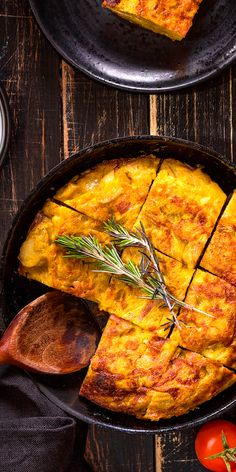 Have you ever tried Spanish omelette? Save this pin and tell us how was your experience! (Spanish Baking Eggs)