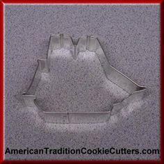 This is a 4.25 inch Sailing Ship. It is 1 inch high. All our cookie cutters are made in the USA of tinplate steel. All our cookie cutters are $0.90 each.