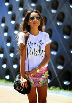 La Chica Bien: 5 Formas bellas de usar camisetas con frases