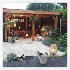 Stunning Exterior Patio Layout Concepts - This patio design collection offers beautiful suggestions on just how to expertly offer your backyard patio garden modern 45 Backyard Patio Ideas That Will Amaze & Inspire You - Pictures of Patios Backyard Patio Designs, Backyard Landscaping, Pergola Patio, Pavers Patio, Cozy Backyard, Cool Backyard Ideas, Gazebo Ideas, Pebble Patio, Backyard Retreat