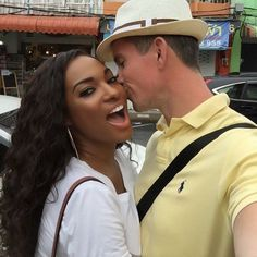 What a gorgeous looking couple, she is absolutely stunning. #interraciallove #swirllove #swirllife #BWWM #WMBW #gorgeous #flawlessskin