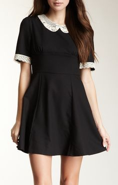 // peter pan lace collar dress