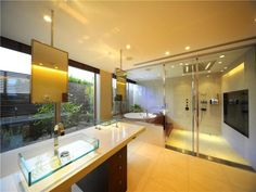 Elegant wet room with a shower and bath combination