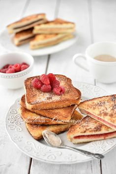 Tosty francuskie na słodko Pancakes, French Toast, Cooking Recipes, Breakfast, Food, Morning Coffee, Meal, Crepes, Cooker Recipes