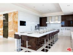 1181 North Hillcrest Rd, Beverly Hills, CA 90210 | MLS# 14-792443 | Redfin