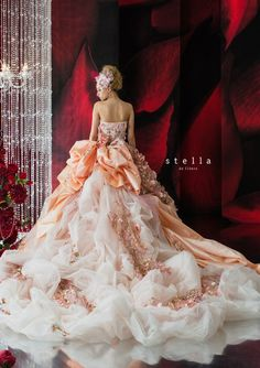 a grand ballgown for a spectacular weddingドレス   ミュール