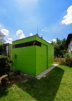 design gartenhaus / Fahrradhaus @_gart drei | lime green | niemals streichen | München - Germany | design garden shed by design@garten