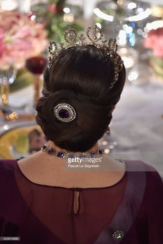 Princess Victoria of Sweden, hair detail, attends the Nobel Prize Banquet 2015 at City Hall on December 10, 2015 in Stockholm, Sweden.  (Photo by Pascal Le Segretain/Getty Images)