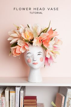 I've admired a vintage ceramic head vase in a beautiful B&B. I may never have time to create a flower head vase but if I did. Diy Flowers, Paper Flowers, Diy Flower Vases, Real Flowers, Diy Projects To Try, Art Projects, Styrofoam Head, Diy And Crafts, Paper Crafts