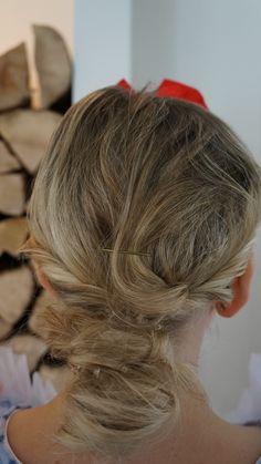 Meine Schneewittchen Frisur  Eingedreht und romatisch :-)