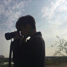 boy ulzzang camera cute kawaii adorable korean pretty beautiful hot fit japanese asian soft aesthetic 男 얼짱 男の子 g e o r g i a n a : 人 Korean Boys Ulzzang, Cute Korean Boys, Ulzzang Couple, Asian Boys, Ulzzang Girl, Pretty Boys, Cute Boys, Ullzang Boys, Grunge