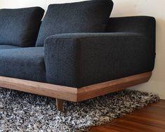 ウォールナットのフレームが上品なローソファー 「ALBA SOFA」 国産ローソファ専門店HAREM 公式通販サイト Bedroom Furniture Design, Home Decor Furniture, Modern Furniture, Japanese Home Design, Japanese House, Sofa Chair, Armchair, Couch, House Design