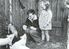 Dmitri Shostakovich e la prima figlia, Galina.