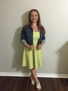 Monica of Petite Mom Living goes for that chic summery look in this awesome  jacket and Stitch Fix dress - and she totally nails it!  Get something similar in your next Fix!
