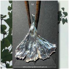 Colliers - M Echtes Ginkgoblatt versilbert Seide Collier g - ein Designerstück von LianeundEmil bei DaWanda