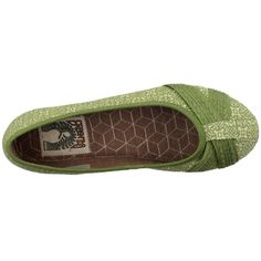 If only my feet were 2.5 sizes smaller. Eco-friendly shoes that are actually CUTE.