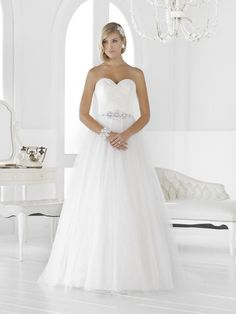 A-Line/Princess Strapless Sweetheart Sweep Train Satin Tulle Wedding Dress With Ruffle Beading White Wedding Gowns, Wedding Dresses 2014, Designer Wedding Dresses, Bridal Dresses, Tulle Wedding, Ball Dresses, Ball Gowns, Ruffle Beading, Satin Tulle