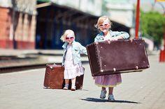 Лето – пора отпусков, дети – цветы жизни, собрать чемодан – самая трудная задача на свете.Всё так. И давайте сразу к делу.
