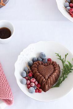 chocolate mini bundt cake.
