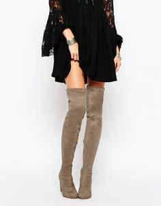 6 Wearable Knee-High Boots That Will Pursuade You To Try The Trend - CAREER GIRL DAILY
