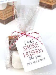 Cute End of the School Year Gift for Friends - I need Smore Friends like you! Free print on { lilluna.com } by Olive Oyl