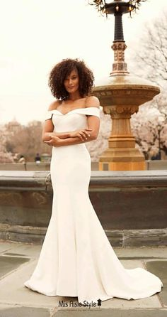 Return Policy 100% Accept Exchange or Refund for Quality Problem.This simple fitted wedding dress made with soft jersey fabric.Our professional tailors custom designer's wedding dress with any sizes.Shopping sheath wedding dress,mermaid wedding dress,summer wedding dress etc informal wedding dress from online store