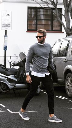 Esporte Fino. Macho Moda - Blog de Moda Masculina: Esporte Fino Masculino, Dicas para Inspirar! Moda Masculina, Roupa de Homem, Moda para Homens, Suéter Cinza, Calça Skinny Preta, Camisa Slim Branca, Tênis com Velcro
