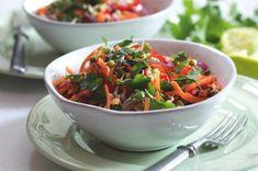 Asijský salát s mrkví a paprikou | Apetitonline.cz