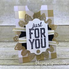 Gift Card / Tip / Business Card Holder - The Paper Pixie Business Card Holders, Business Cards, Christmas Fun, Christmas Cards, Gift Cards Money, 3d Paper Crafts, Make A Gift, Easy Projects, Place Card Holders