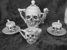 Supposedly Rare Antique Late Skulls Fine Porcelain Teapot Tea Cup Saucer & Creamer - Halloween tea party anyone? Skull Decor, Skull Art, Tea Cup Saucer, Tea Cups, La Danse Macabre, Tee Set, Goth Home, Gothic Home Decor, Baroque Decor