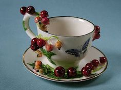 50 Most Beautiful Crockery item for your kitchen - Cup cokies 2020 Vintage Cups, Vintage Tea, Tea Cup Saucer, Tea Cups, Momento Cafe, Alice Tea Party, Rose Tea, My Cup Of Tea, Serving Dishes
