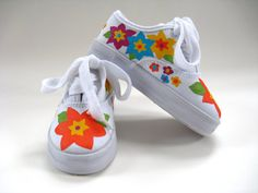 Girls Flower Shoes Hand Painted Canvas por boygirlboygirldesign