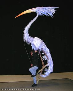 Michael Curry (puppet designer) Michael Curry puppet design Never Bird I really . Bird Puppet, Marionette Puppet, Puppet Show, Puppet Costume, Bird Costume, Armadura Cosplay, Puppet Making, Theatre Costumes, Shadow Puppets