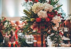 Dramatic florals by Fleur le Cordeur | Photograph by Shanna Jones Photography | Real weddings