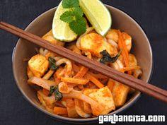 Wok, Thai Red Curry, Meat, Chicken, Ethnic Recipes, Noodles, Calamari, Restaurants