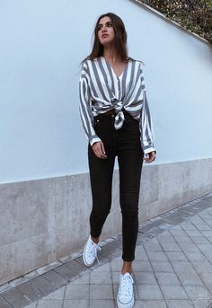 100 Super style casual outfits ideas for spring summer fashion trendy outfits 2019 Chic Summer Outfits, Casual Summer Outfits, Classy Outfits, Stylish Outfits, Fashion Looks, Cute Fashion, Fashion Styles, Fashion Ideas, Women's Fashion