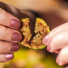 Vegan Snacks, Healthy Snacks, Vegan Recipes, Snack Recipes, Healthy Chocolate, Quick Easy Meals, Fun Desserts, Food Photo, Food Videos