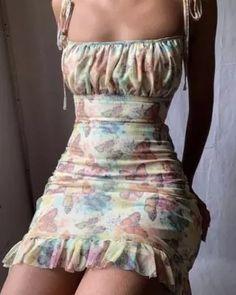 French Ladies Dress Look Fashion, 90s Fashion, Fashion Dresses, Fashion Styles, Fashion Clothes, Fashion Women, Fashion Ideas, Fashion Tips, Jeans Fashion