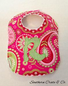 Sewing a Baby Bib - Southern Crate and Co. - How to Sew a Baby Bib Baby Bibs, Sew Baby, Baby Crafts, Baby Sewing, Diy Tutorial, Little Ones, Crates, Sewing Projects, Baby Shoes