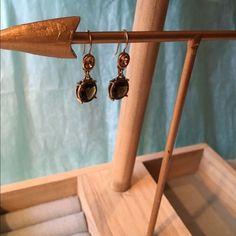 💄1DAY SALE💄Liz Claiborne dangle  earrings New with tag. Liz Claiborne dangle earrings. Gold/brown Liz Claiborne Jewelry Earrings