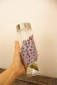 Gourde d'eau en verre dessin lilas avec infuseur – Pero