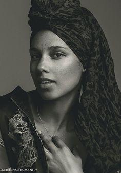 Alicia Keys for Citizens of Humanity - Fall 2016 Alicia Keys New Album, Alisha Keys, Mundo Musical, Beautiful People, Beautiful Women, Covergirl, Freckles, Celebrity Crush, My Idol
