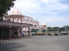 #magiaswiat #puthaparthi #podróż #zwiedzanie #indie #blog #indie #rzekaczitrawati #salamedytacyjna #szpital #posagibogów #wioska Taj Mahal, Indie, Building, Blog, Travel, Viajes, Buildings, Blogging, Destinations