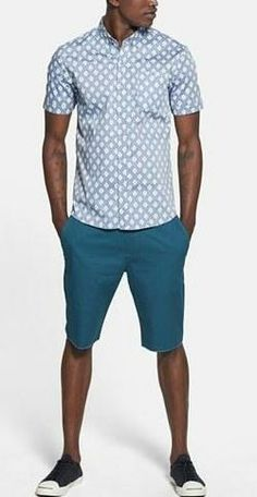 Print sport shirt with cotton shorts.