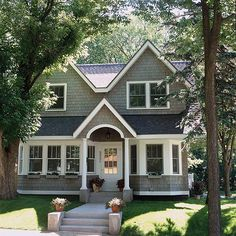 Trendy Exterior Paint Colors For House Curb Appeal Cape Cod Ideas Exterior Colonial, House Paint Exterior, Exterior Paint Colors, Exterior House Colors, Paint Colors For Home, Gray Exterior, Exterior Siding, Paint Colours, Siding Colors