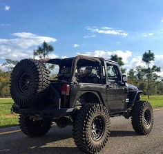 RUGGED 2 DOOR JEEP
