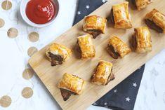 Mini saucijzenbroodjes - Lekker en Simpel Dairy, Cheese, Snacks, Mini, Om, Finger Food, Appetizers, Treats