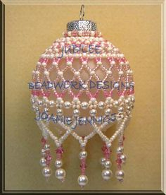 Beadwork Designs by Joanie Je - 1 pattern, 4 different looks… Beaded Ornament Covers, Beaded Ornaments, Ornament Crafts, Diy Christmas Ornaments, Felt Christmas, Christmas Balls, Homemade Christmas, Ball Ornaments, Beaded Christmas Decorations