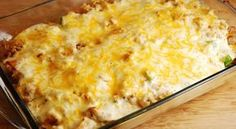 Cheesy Chicken and Rice Casserole – 7 Points + - LaaLoosh - American comfort food at its finest, this healthy and delicious Cheesy Chicken and Rice Bake is always a family favorite. It's a wonderful Weight Watchers casserole recipe that is easy to prepare Skinny Recipes, Ww Recipes, Chicken Recipes, Cooking Recipes, Healthy Recipes, Healthy Dinners, Indian Recipes, Dinner Recipes, Weight Watchers Casserole